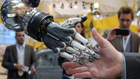 توقعات مخيفة: الروبوتات ستستحوذ على ملايين الوظائف بعد 15 عاماً!