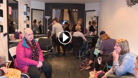 فى أسكتلندا: أول صالون لتصفيف شعر مرضى السرطان  - بالفيديو والصور