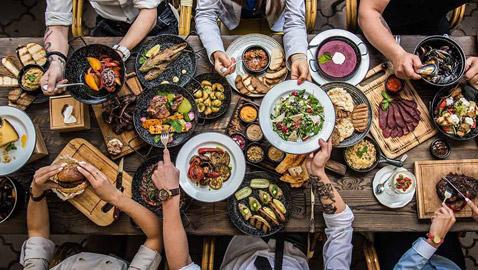 إليكم أشهر الأخطاء الشائعة والأساطير عن فوائد وأضرار الأطعمة