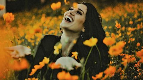 إليكم أقوال وحكم عن السعادة كما وصفها الشعراء والمفكرون
