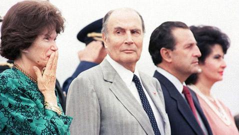 خفايا وأسرار قصّة حب الرئيس الراحل فرانسوا ميتران وزوجته