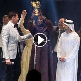 بالفيدو والصور: تعرفوا على الفائز بجائزة أحسن معلم في العالم