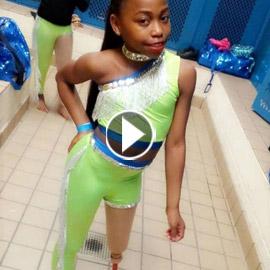 فيديو مذهل: طفلة تتحدى الاعاقة وترقص بساقها الصناعية بدلا من المبتورة