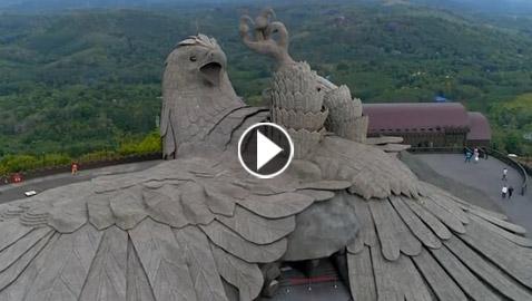 الكشف عن أكبر تمثال لطائر في العالم الذي استغرق بناؤه 6 سنوات!