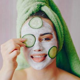5 أقنعة طبيعية مرطبة رائعة تحتاجها بشرتك في فصل الربيع