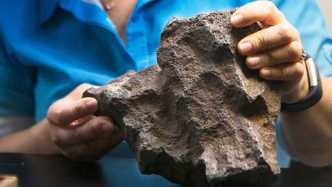 ما هي حكاية الحجر الذي بيع بـ 100 ألف دولار؟!