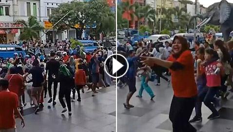 هلع وفزع مواطنين بالشوارع وتلاوات للقرآن بعد زلزال قوي في إندونيسيا