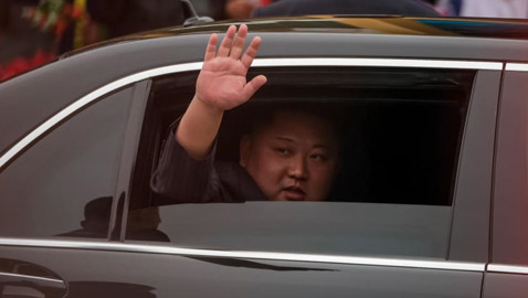 كيف حصل كيم زعيم كوريا الشمالية على سيارة مرسيدس المحظرة دوليا؟