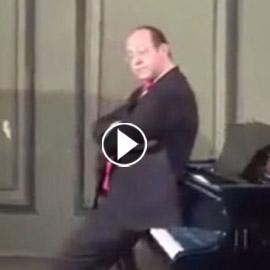 بالفيديو: واقعة مستفزة لعازف يجلس على أغلى بيانو في مصر