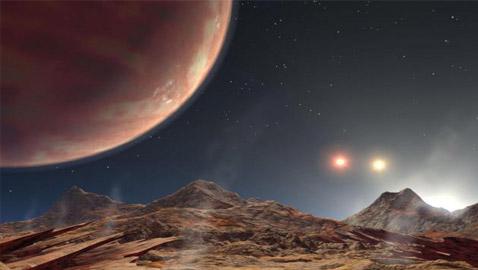 حجمه أكبر من الأرض بـ8 مرات.. اكتشاف كوكب جديد بثلاث شموس