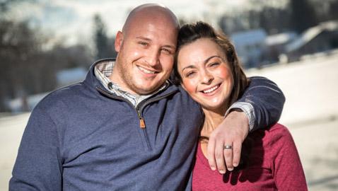 قصة وفاء رجل مع زوجة فقدت ذاكرتها منذ 7 سنوات