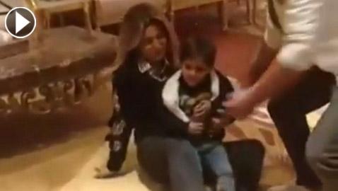 بالفيديو:نوال الزغبي تقع أرضا بلقطة عفوية