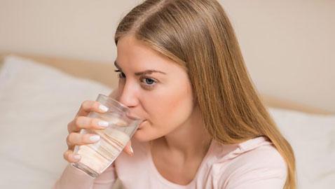 حقائق صادمة.. لماذا يمكن أن يصبح شرب الماء خطرا على الصحة؟