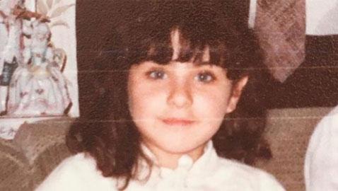 شاهدوا هذه الطفلة اصبحت ممثلة مصرية شهيرة.. خمنوا من هي!