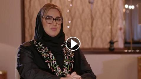 شاهدوا.. عزيزة جلال تغني بالحجاب بعد اعتزال 30 عاما !