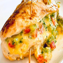 طريقة عمل صدور الدجاج المحشوة بالجبن والبروكولي
