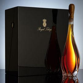 إنتاج أغلى زجاجة نبيذ في العالم... كيف صٌنعت؟