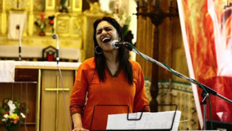 غنت 1000 أغنية في 1000 يوم.. فتاة هندية تحقق رقمًا قياسيًا عالميًا