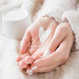 للبنات.. 7 طرق للتخلص من جفاف الأيدي في الشتاء