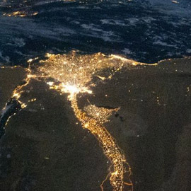 ناسا تنشر صورة نادرة للنيل المضيء في مصر