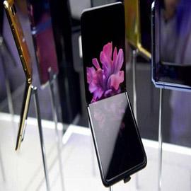 سامسونغ تطلق هاتفها القابل للطي وتستخدم الجيل الخامس