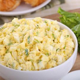 طريقة تحضير سلطة البيض المسلوق لوجبة إفطار صحية ولذيذة