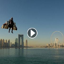 تجربة ناجحة لطيار بشري يمكنه التحليق والمناورة على ارتفاعات عالية  ..