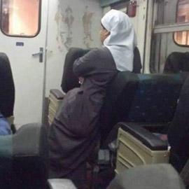 راهبة مصرية تخطف القلوب بموقف إنساني مؤثر مع طفلة يتيمة وتذهل الجميع!