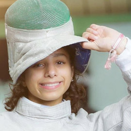 رغم صغر سنها: المبارزة السعودية (الحسناء الحماد) ربحت بطولات عالمية