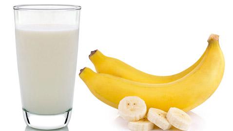 8 أطعمة يجب ألا تتناولها أبدًا مع الحليب ، وفقًا للأيورفيدا