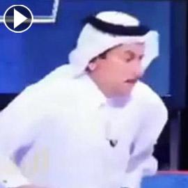 شاهدوا.. هروب نائب وزير الصحة القطري بعد عطس المذيع في الأستوديو