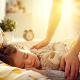 12 نصيحة ستسهل عليك معاناة إيقاظ أطفالك في الصباح