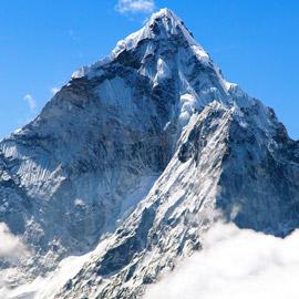 قمة صخرية رسوبية.. جبل إفرست أعلى قمة في العالم! صور