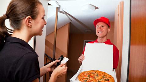 فيروس كورونا: كيف تتسوق أو تتسلم الأطعمة الجاهزة في المنزل بشكل آمن؟
