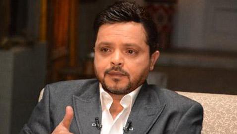 محمد هنيدي يخضع لجراحة بالقلب وتركيب دعامات وإلزامه بعدم الحركة نهائيا