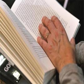 هولندي يعيد كتابا للمكتبة بعد أربعين عاما من استعارته! والغرامة ضخمة!