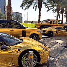 صور أغرب أشياء اشتراها الأمراء العرب: حمام من الذهب وسيارة من الماس
