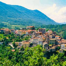 عرض الأحلام: إقامة أسبوع مجاناً في فيلا فاخرة في قرية إيطالية رائعة