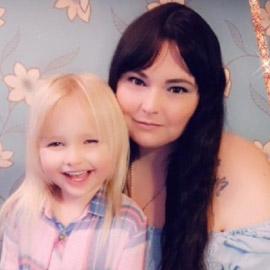 طفلة في السادسة من عمرها تتصل بالشرطة لاعتقال أمها.. لهذا السبب!