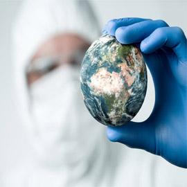 فيلسوف: الإنسان أخطر من الفيروسات.. ودروس تعلمها الأطباء من كورونا