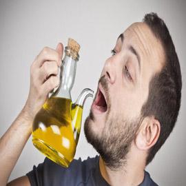 تعرّف على فوائد تناول زيت الزيتون على الريق