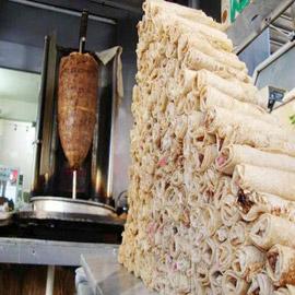 وفاة طفل وتسمم المئات بسبب وجبة شاورما في الأردن