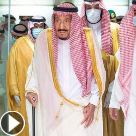 فيديو وصور: الملك سلمان يغادر المستشفى بعد عملية استئصال المرارة
