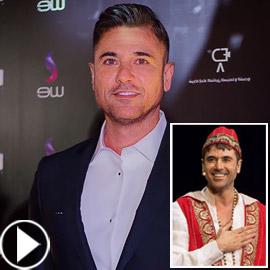 فيديو أحمد عز يفاجئ جمهوره بغناء (بتخاصمني حبة) لايف على المسرح