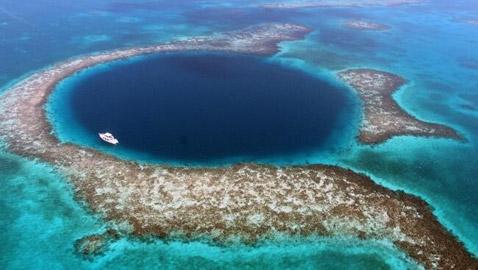 أخطر 10 بحيرات على سطح الأرض!