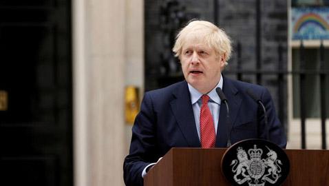 يشكو من راتبه المتدني.. جونسون يفكر بالاستقالة خلال 6 أشهر!