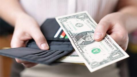 ما الذي تستطيع شراءه بدولار واحد في الدول المختلفة حول العالم؟