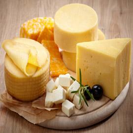 تتنوع بقوامها وتحضيرها وعمرها ونوع الحليب.. إليكم عائلات الجبن  ..