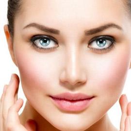 وصفات لتفتيح البشرة الداكنة في منطقة الوجه!