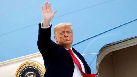 الرئيس الأمريكي السابق يعود إلى الواجهة السياسية ويلمح إلى احتمال  ..